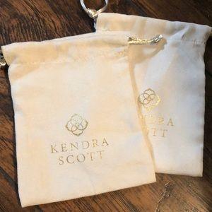 Kendra Scott duster bags